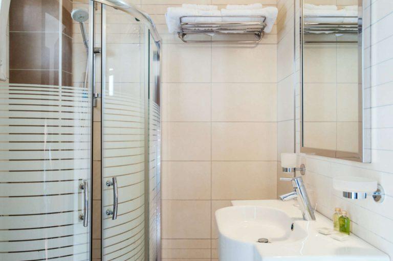 Room Bathroom/Μπάνιο Δωματίου